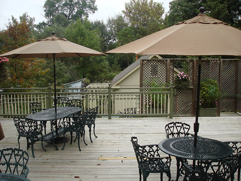 Accessible through the Kitchen door, walk right out onto our spacious Deck. Enjoy a quiet outdoor breakfast or an afternoon coffee or tea. From here you can view the Carousel Building and from time to time, a myriad of wildlife.